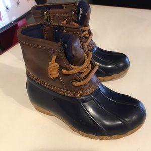 Little girls speedy duck boots
